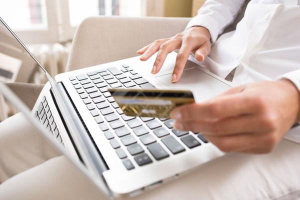 Українцям зручніше брати кредит через інтернет?