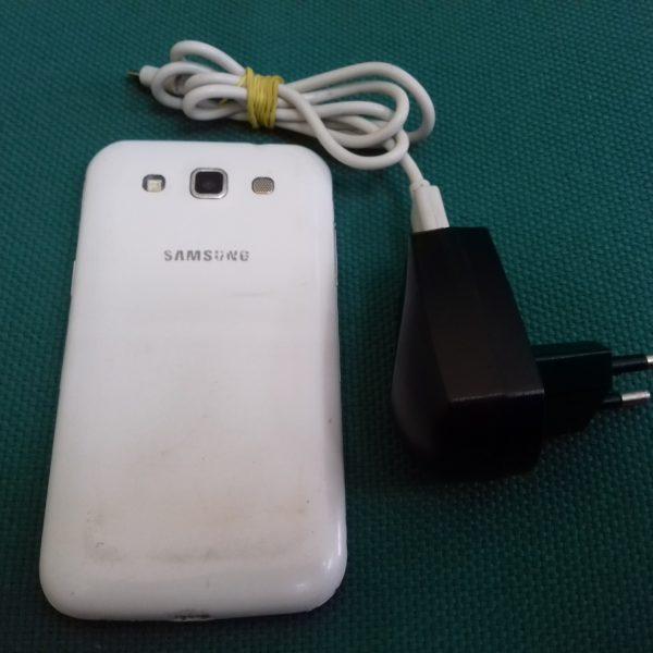 Смартфон Samsung Galaxy Win I8552