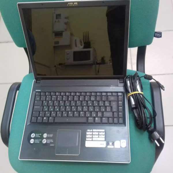 Ноутбук  Asus-Lamborhini vx1