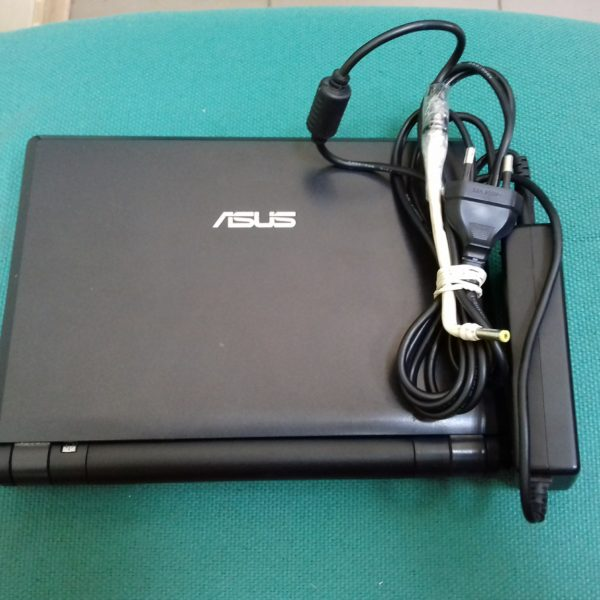 Нетбук Asus Eee PC 900AX