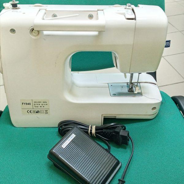 Швейная машина  Yamata FY940