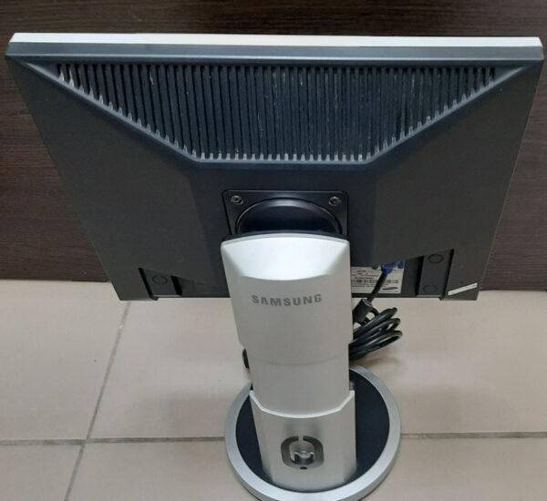 Монитор Samsung SyncMaster 740B